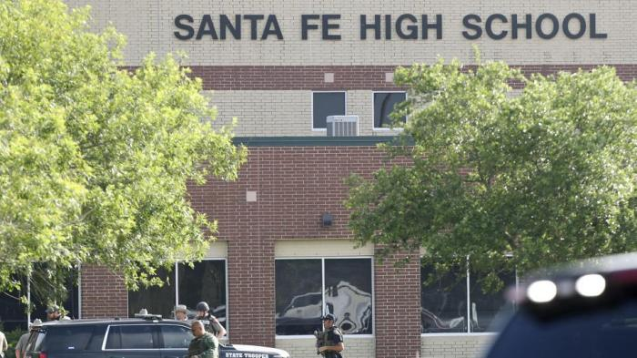 school-shooting-texas_29216550-5ab6-11e8-b87b-3dd7d8bd63e9